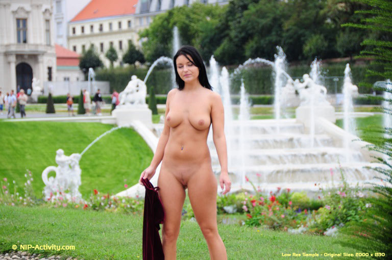 Via Nude In Public Cc