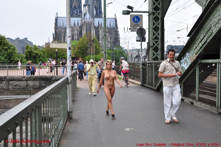 Nude In Public Pictures Nip Activity